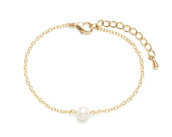 Bracelet gilded end and Freshwater Pearl / natural white stone / Pearl River / white and Gold Bracelet / day of Mistral