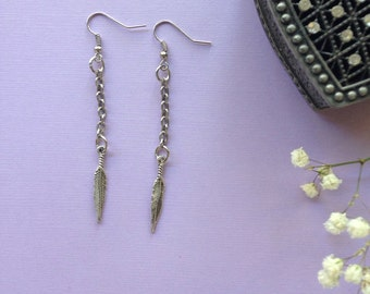 Dangle earrings, silver/metal with chain and feather