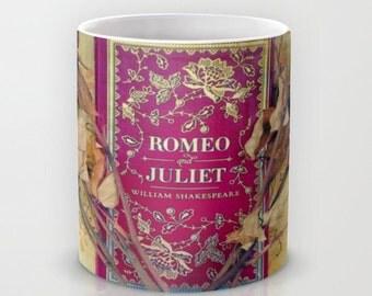 Romeo and Juliet mug: Coffee, tea, Shakespeare, book, roses, red