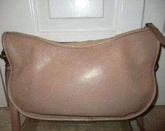 Vintage Coach beige leather shoulder bag