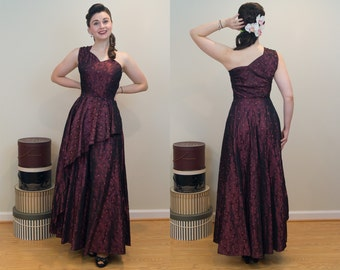1940s Vintage Dress - Dramatic Red and Black Damask Evening Gown w/ Peplum - Like New!