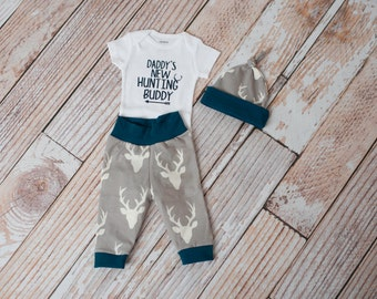 Newborn Baby Deer Antlers/Horns Bodysuit, Hat, Scratch Mittens Set + Daddy's New Hunting Buddy Bodysuit  Coming Home