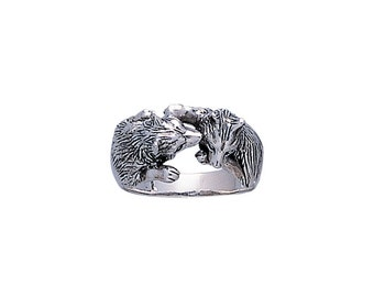 Wolf Kiss Ring