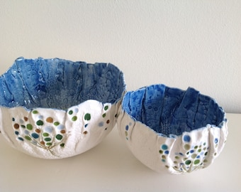 Porcelain balloon wrapped bowl duo