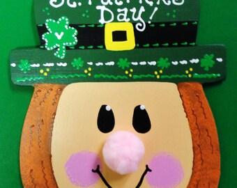 Happy ST PATRICKS DAY Sign Leprechaun Wood Seasonal Irish Decor Plaque