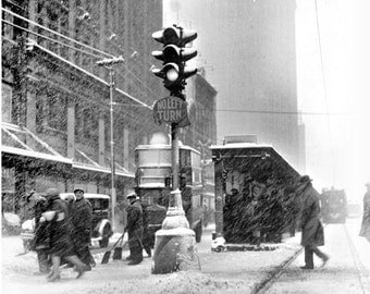 1927 - A Snowstorm in Detroit.