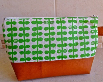 make-up cosmetic zipper pouch--- green leaves