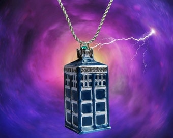 Doctor Who sterling silver / faux leather necklace with the Tardis charm