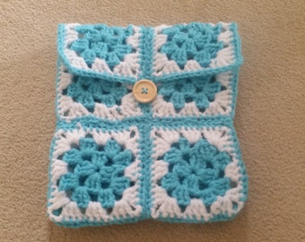Decorative Hand crocheted Kindle cover