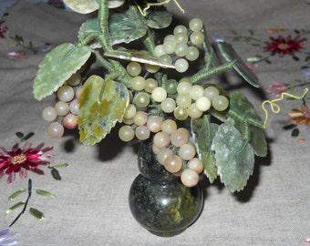 Vintage Chinese jade grapes