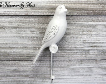 Bird wall hook / Resin wall hook / shabby wall hook / shabby bird // white bird hook // cottage decor birds / nursery decor / bathroom decor