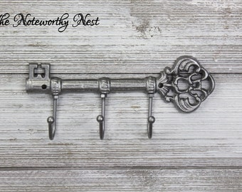 Skeleton key wall hook // Cast Iron Key Hook // Cast Iron hook // skeleton key // Pewter decor // Gray decor // Wall Key Hook // Key Holder