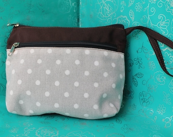 Case - toiletry bag