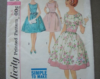 Vintage Simplicity Pattern #4853/32 Bust