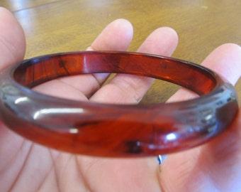 Vintage Rootbeer Swirl Lucite Bangle Bracelet