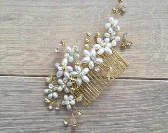 Headpiece, bridal headpiece, bridal hair comb, pearls hair com, hair comb, flower hair comb, hair jewelry, hair jewellery, hair accessories