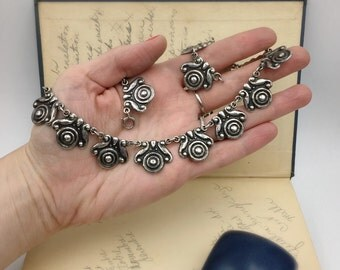 On reserve for Skye...final payment Beautiful Taxco 980 silver necklace, circa 1940 Mexico, in the Los Castillo or Margot de Taxco style