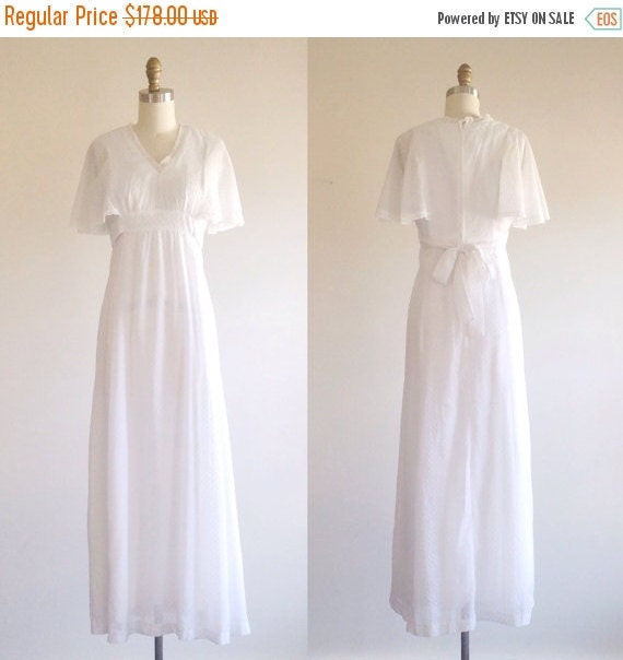 25 OFF SALE White Wedding Dress Simple Wedding By TheIvyRetreat