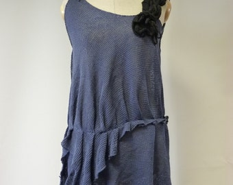 Sale, new price 48 EUR, original price 58 EUR. Girlish navy linen top, M size. Handmade, only one sample.