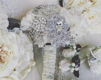 Ivory Bridal Bouquet - Brooch Bouquet - Silk Roses - Bling bouquet - Broach Bouquet - Jeweled bouquet - Gatsby bouquet - White Bouquet