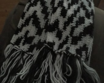 Black and White Scarf with Fringe