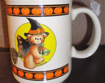 Vintage 1984 Lucy Riggs/Flying Bear Witch Halloween Mug