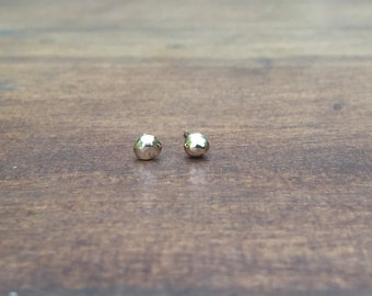 14k Gold Nugget Stud Earrings, Faceted Solid Gold Pebble Stud Earrings
