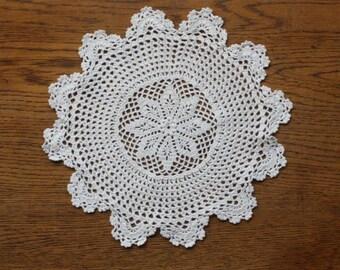 Vintage handmade doily ~ cream cotton