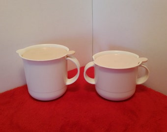 vintage Tupperware cream and sugar containers / holders /tupperware pink