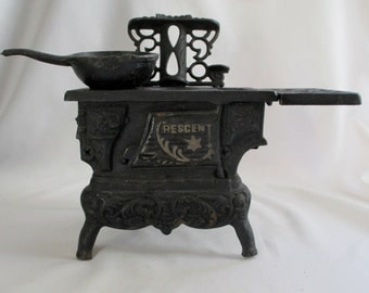 Vintage Crescent Wood Burning Cast Iron Stove ~ Toy or Salesman Sample ~ Miniature