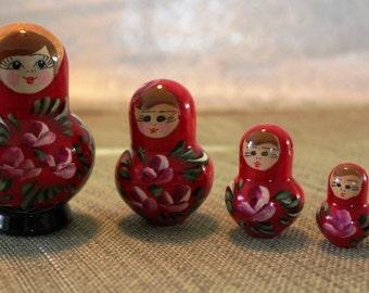 Wooden nesting dolls - Matreshka