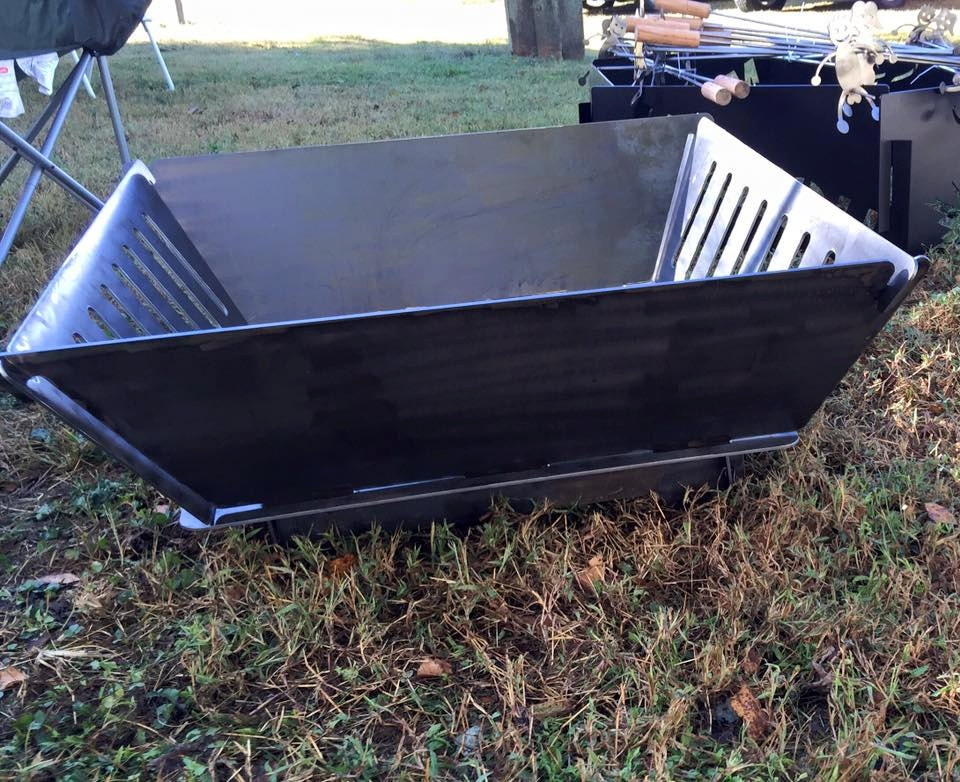 Collapsible Fire Pit : Portable and collapsible fire pit