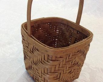 "Authentic Perfect ""Basketville"" Folk Hand woven Artisan Basket  4.5 x 5.5 Art"