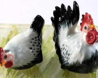 Chicken and rooster, handpainted porcelain figurine, 2891