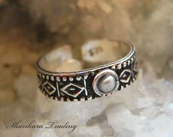 Sterling Silver Toe Ring with Fresh Water Pearl, Indian Toe Ring, Adjustable Toe Ring, Tribal Toe Ring, Ethnic Silver Toe Ring