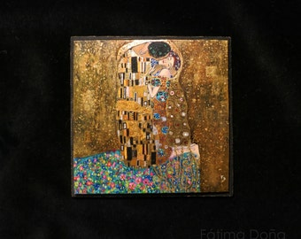"Miniature painting based on the famous work of Gustave Klimt ""The kiss"" (Sold out) Only by custom order"