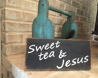 Sweet tea & Jesus sign - kitchen decor - wall decor - fixer upper style - rustic - distressed - antiqued