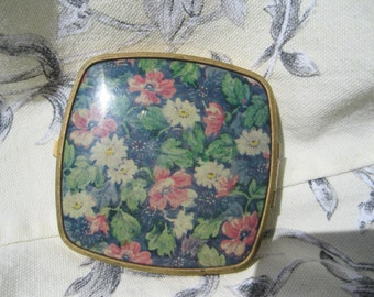 Vintage Compact with Flowers and Enamel,SALE 11.00