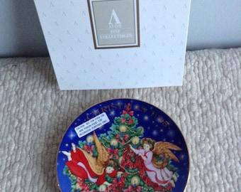 Avon Christmas Plate 1995