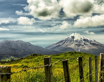 Photography of the Taranaki volcano in New Zealand in color