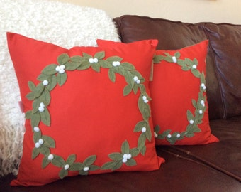 SALE ! Christmas Wreath Pillow Cover, Red Pillow, Holiday Pillow Wreath Applique Pillow Cover