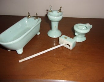 Miniature doll house porcelain/ceramic bath fixtures