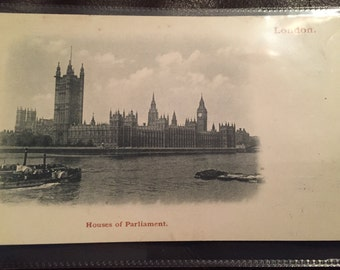 Vintage Postcard - Big Ben and Houses of Parliament. Excellent condition!