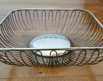 Vintage Beautiful Silver Plate Square Basket Weave/Wire Bread Serving Basket