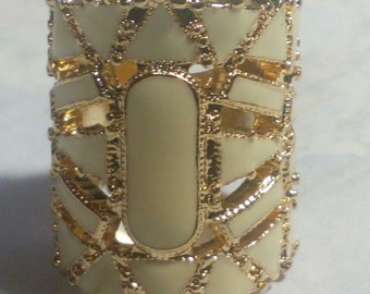 Hot Deal on New Vintage Looking 1 Inch Lomg Ring..Sz.7..Whiteish Enamel & Gold Tone..Not to Tarnish