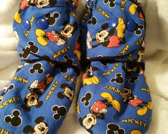 Toddler shoe size  8.5 -  10,   Mickey Mouse slippers, snap on slippers, fleece slippers