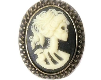 Cameo ring vintage retro rockabilly pin up skull black gothic ivory