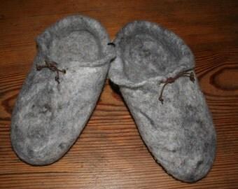 Felt slippers