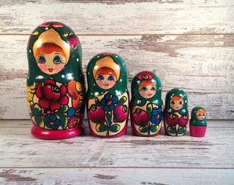 Set of 5 matryoshka - Collectibles matryoshka doll - vintage soviet toy - nesting doll - Russian souvenir