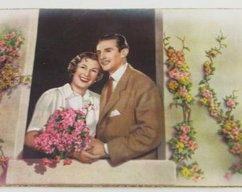 Vintage 1950s Spanish Postcard - Lovers - Romance - Valentines